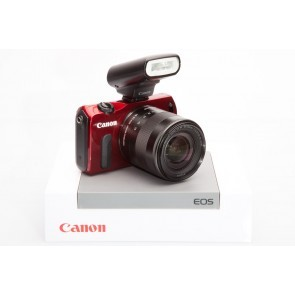 Canon EOS M ROOD incl. 18-55 IS STM lens - Occasion