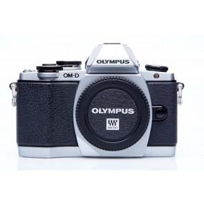 Olympus OMD E-M10 body SILVER - Occasion